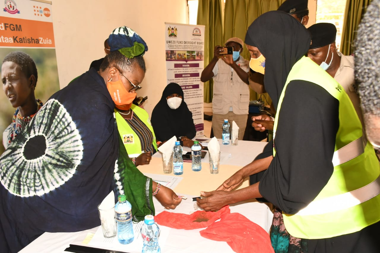Elderly Woman Quit FGM Practice and Handover her Tools in Garissa County